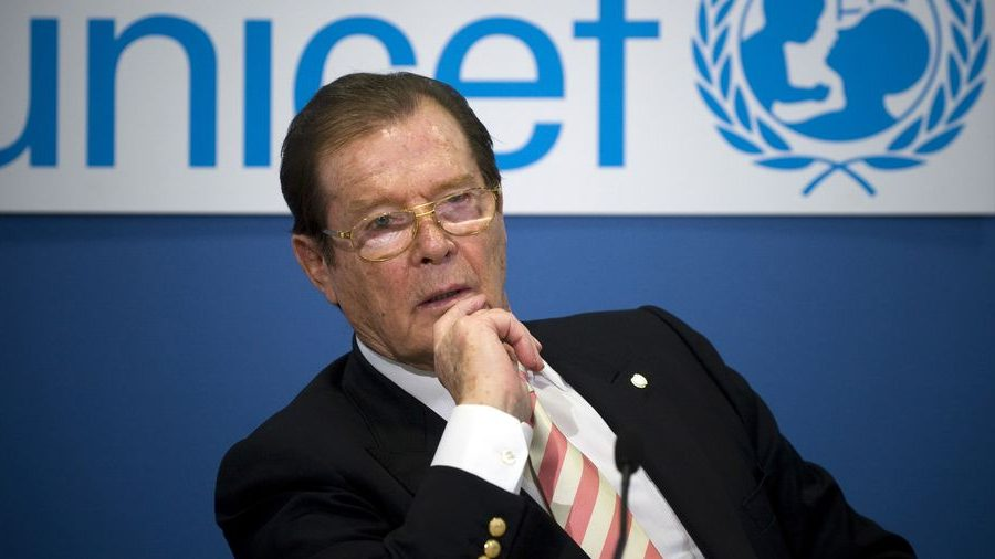 Roger Moore (roger moore, )
