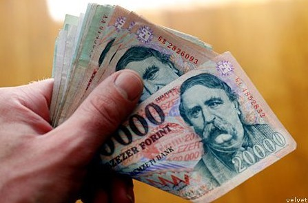 penz(2)(430x286)(3).jpg (ksh, átlagkereset, fizetés, bér, )