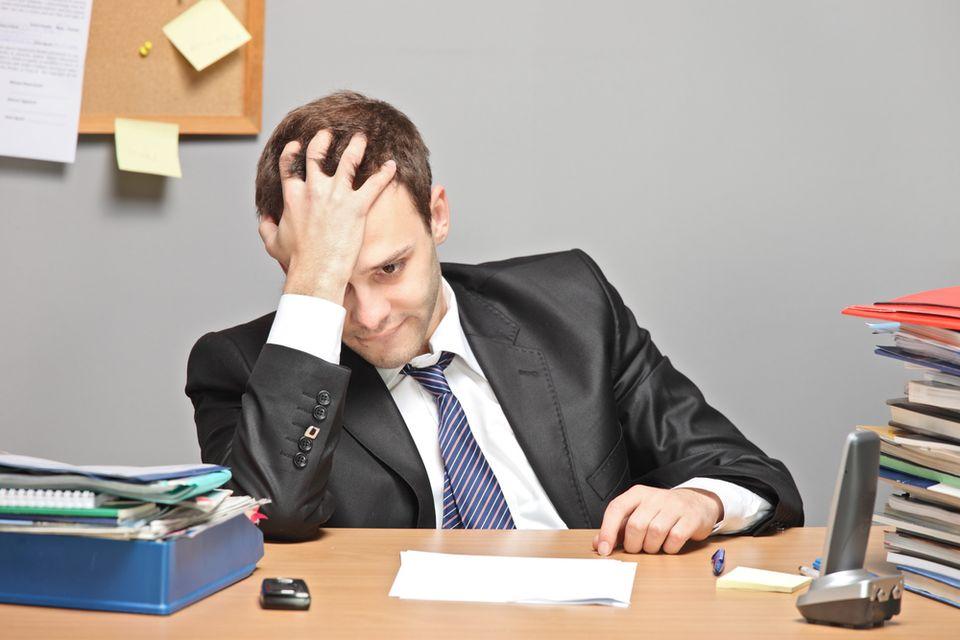 Folytatódik a cégek vergődése – a kisadó az utolsó szalmaszál? (kkv, cégvezető, üzletember, iroda, )