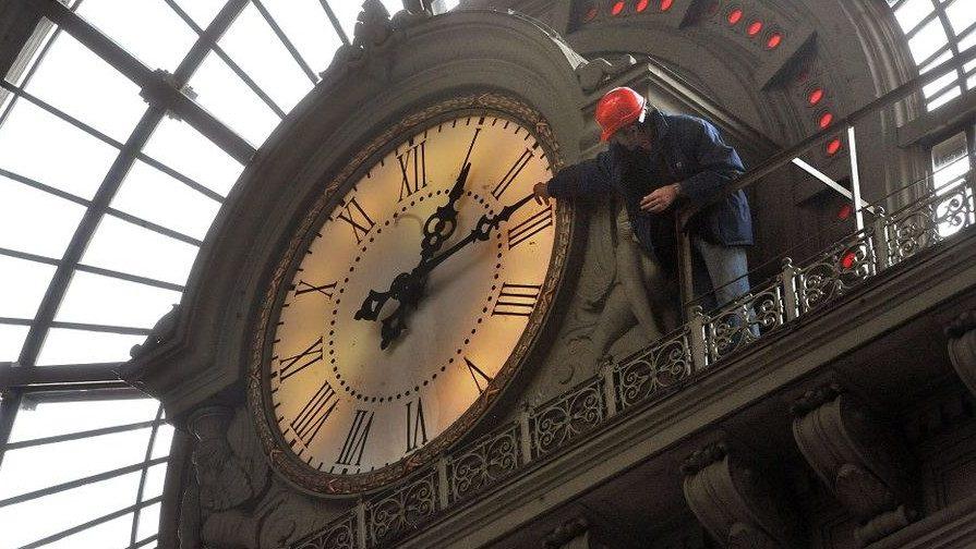 Óra a Keleti pályaudvaron (óra, óraátállítás, keleti pályaudvar, máv, )
