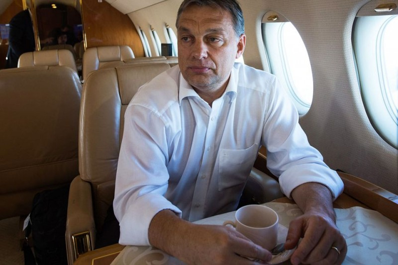 orbán viktor repülőn (orbán viktor, )