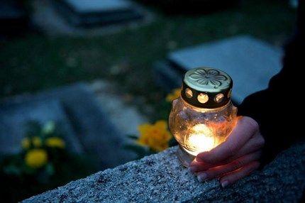 temeto-mecses(1)(430x286).jpg (halottak napja, emlékezés, mécses, )