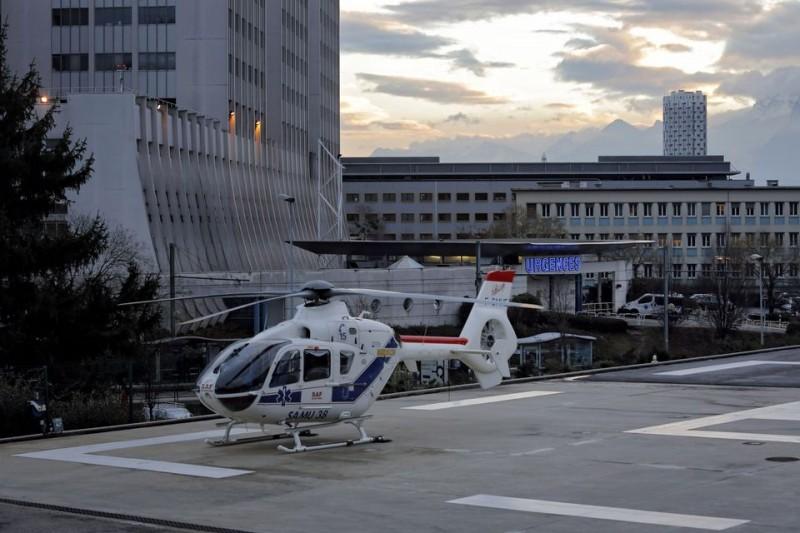 Grenoble-i kórház (grenoble-i kórház, michael schumacher, )