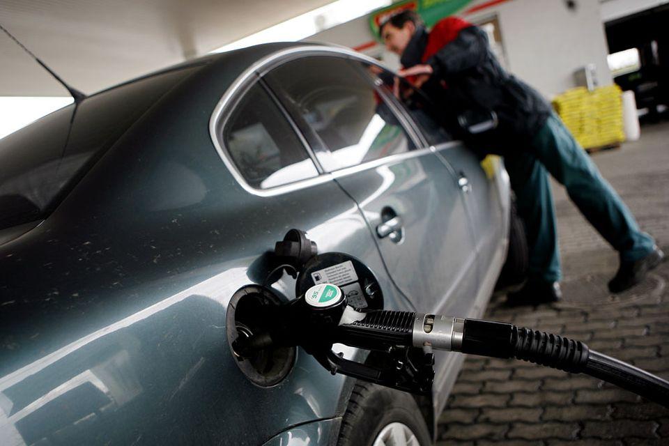 tankolás (tankolás, benzin, 95-ös, )