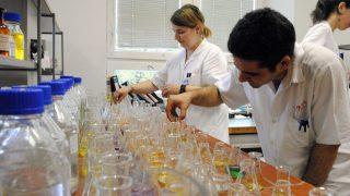 laboratórium (labor, laboratórium, lombik, vegyész, ántsz, vízminőség, vizsgálat,)