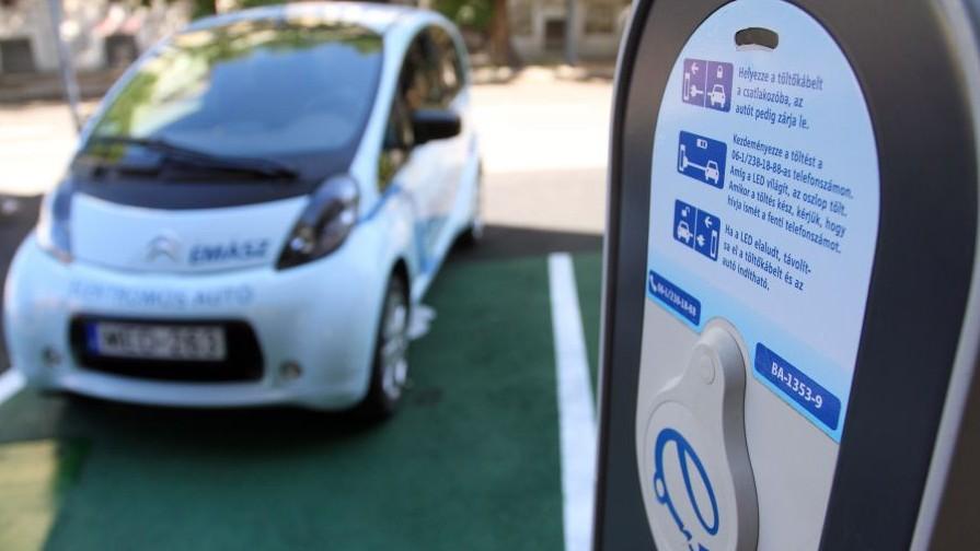 e-autó - Elmű-Émász (elektromos autó, e-autó, töltőpont, émász,)
