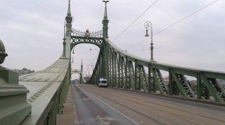 Üres Szabadság híd (szabadság híd, tüntetés, )