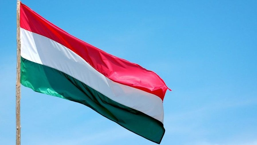 magyar-zaszlo(960x640)(6).jpg (Array)
