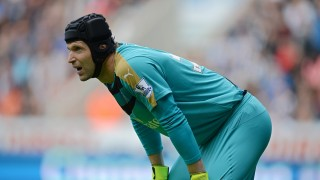 Arsenal's Czech goalkeeper Petr Cech looks on during the English Premier League football match between Newcastle United and Arsenal at St James' Park in Newcastle-upon-Tyne, north east England, on August 29, 2015. AFP PHOTO / OLI SCARFF  RESTRICTED TO EDITORIAL USE. No use with unauthorized audio, video, data, fixture lists, club/league logos or 'live' services. Online in-match use limited to 75 images, no video emulation. No use in betting, games or single club/league/player publications.