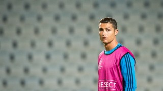 Real Madrid's Portuguese forward Cristiano Ronaldo takes part in a training session at the Swedbank Stadion, on September 29, 2015, on the eve of the UEFA Champions League Group A football match between Malmo FF and Real Madrid CF. AFP PHOTO / JONATHAN NACKSTRAND
