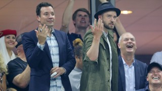 TV Presenter Jimmy Fallon and Singer Actor Justin Timberlake during Changeover during the Roger Federer match as he beats Richard Gasquet in Straight Sets to reach the Semi Final . Photo BPI / DPPI