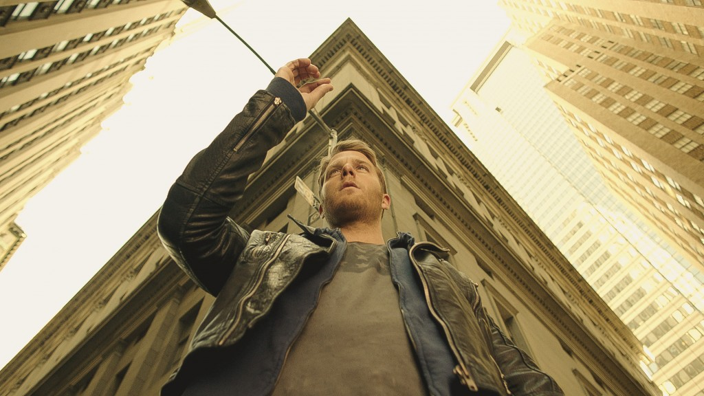 """""""PILOT"""" -- LIMITLESS is CBS's new fast-paced drama based on the feature film about Brian Finch (Jake McDorman), who discovers the brain-boosting power of the mysterious drug NZT, and is coerced by the FBI into using his extraordinary cognitive abilities to solve complex cases for them. Photo: CBS ©2015 CBS Broadcasting, Inc. All Rights Reserved"""