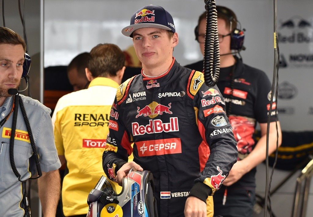 Toro Rosso driver Max Verstappen of the Netherlands prepares to start the third practice session of the Formula One Japanese Grand Prix at the Suzuka circuit on September 26, 2015.    AFP PHOTO / KAZUHIRO NOGI