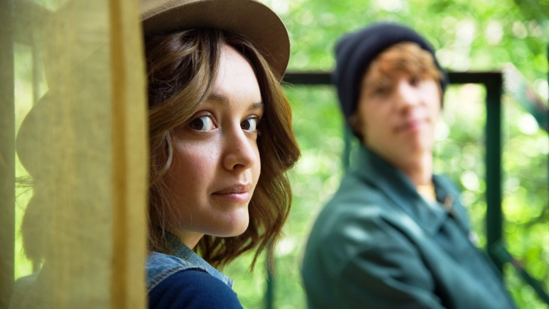 """Olivia Cooke as """"Rachel"""" and Thomas Mann as """"Greg"""" in a scene from the motion picture """"Me and Earl and the Dying Girl."""" CREDIT:   Anne Marie Fox, Fox Searchlight Pictures"""
