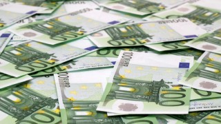 Jackpot, Banknotes on the Desk