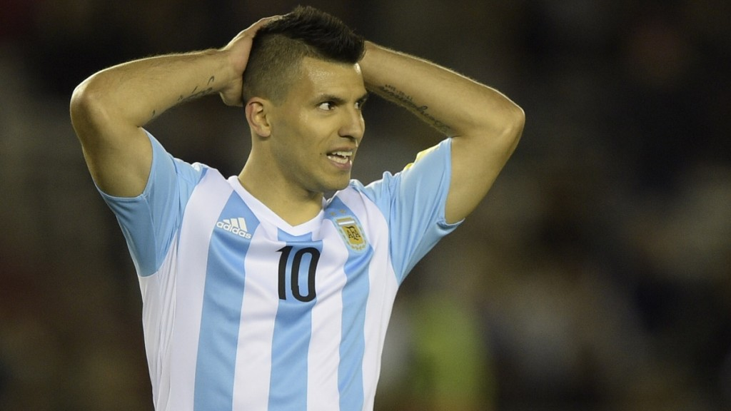 Argentina's forward Sergio Aguero gestures during the Russia 2018 FIFA World Cup qualifiers match against Ecuador, at the Monumental stadium in Buenos Aires, on October 8, 2015.   AFP PHOTO / JUAN MABROMATA