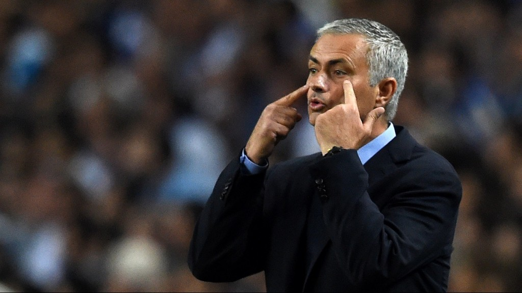 Chelsea's Portuguese coach Jose Mourinho gestures during the UEFA Champions League Group G football match at the Dragao stadium in Porto on September 29, 2015.  AFP PHOTO / FRANCISCO LEONG