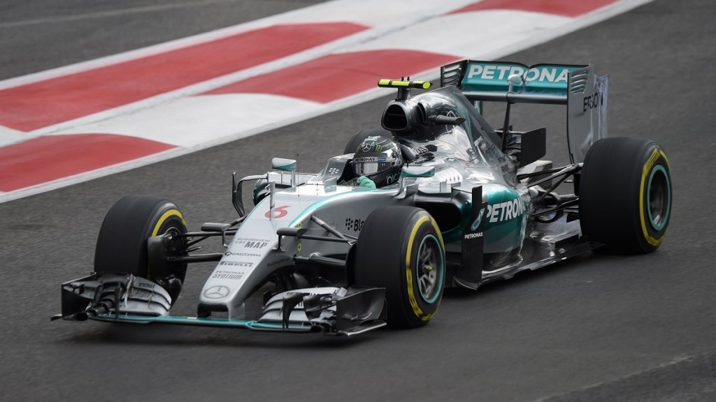 Mercedes AMG Petronas German driver Nico Rosberg  during the second free practice of the F1 Mexico Grand Prix at the Hermanos Rodriguez racetrack in Mexico City on October 30, 2015.   AFP PHOTO / ALFREDO ESTRELLA