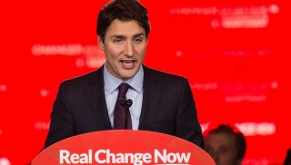 Canadian Liberal Party leader Justin Trudeau speaks in Montreal on October 20, 2015 after winning the general elections.    AFP PHOTO/NICHOLAS KAMM