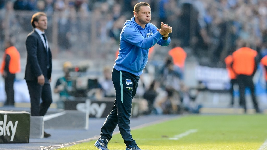 Hertha's head coach Pal Dardai cheers for his team during the German Bundesliga soccer match between Hertha BSC and Hamburg SV at Olympiastadion in Berlin, Germany, 03 October 2015. Hertha wins 3-0. Photo: THOMASEISENHUTH/dpa    (EMBARGO CONDITIONS - ATTENTION: Due to the accreditation guidelines, the DFL only permits the publication and utilisation of up to 15 pictures per match on the internet and in online media during the match.)