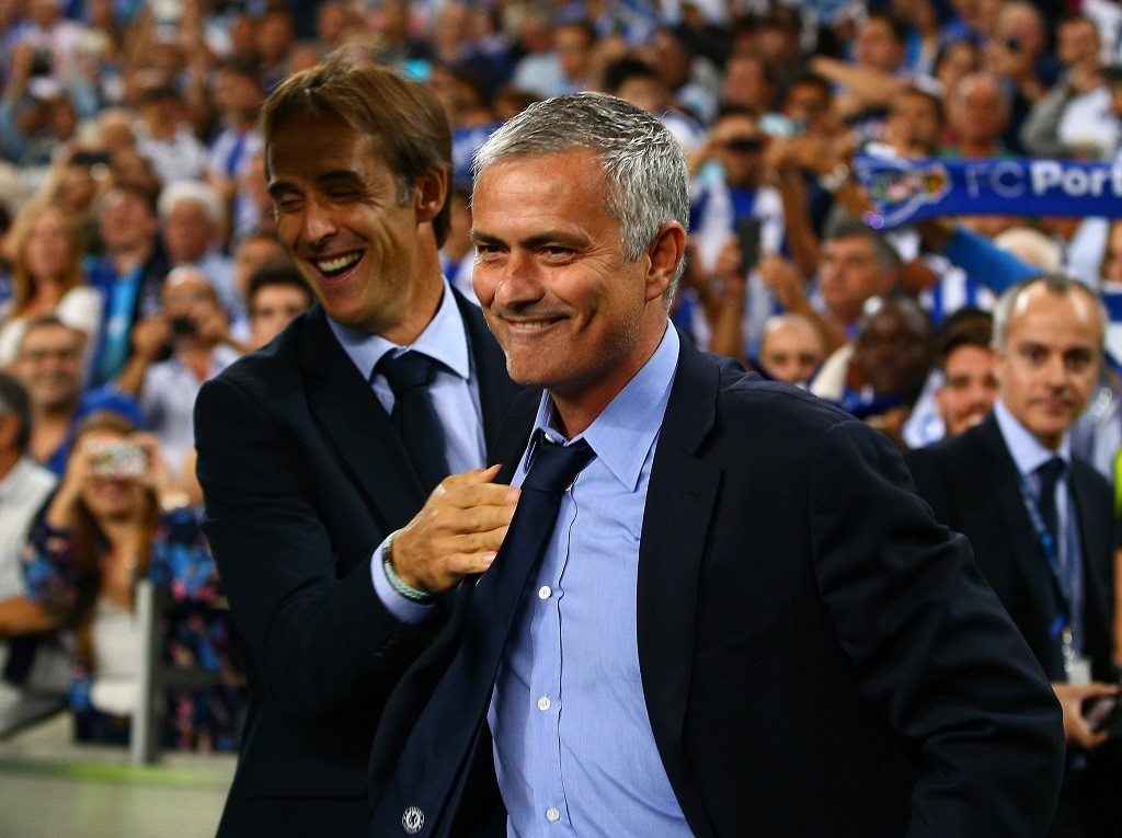 Chelsea manager Jose Mourinho shares a joke with FC Porto manager Julen Lopetegui during the UEFA Champions League Group G match between FC Porto and Chelsea played at Estadio Do Dragao, Porto, Portugal , on September 29, 2015. Photo Kieran McManus / BPI / DPPI