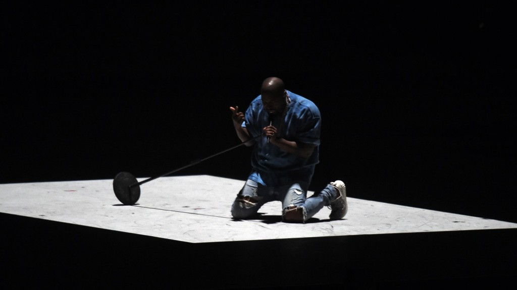 Kanye West performs during the closing ceremony for the 2015 Pan American Games at the Rogers Centre in Toronto, Ontario, on July 26, 2015.    AFP PHOTO /  Jim WATSON