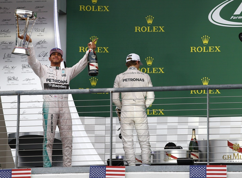 HAMILTON lewis (gbr) mercedes gp mgp w06 ambiance portrait ROSBERG nico (ger) mercedes gp mgp w06 ambiance portrait podium ambiance during the 2015 Formula One World Championship, United States of America Grand Prix from october 22nd to 25nd 2015 in Austin, Texas, USA. Photo Frederic Le Floch / DPPI.