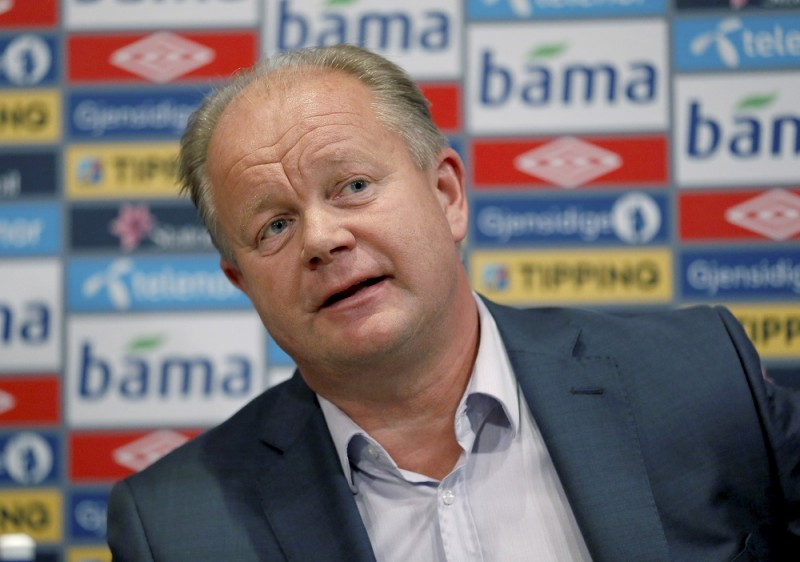 """Per-Mathias Hogmo, newly appointed head coach for Norway's national football team, answers questions at a press conference in Oslo, on September 27, 2013. Egil """"Drillo"""" Olsen has been sacked after a series the national team's bad results.  AFP PHOTO / SCANPIX / ERLEND AAS +++ NORWAY OUT"""