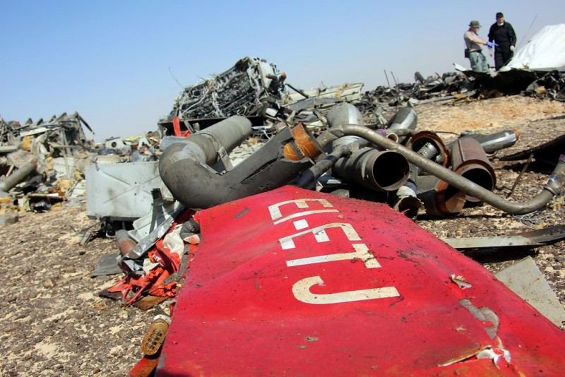 SUEZ, EGYPT - NOVEMBER 01: Egyptian officials inspect the crash site of Russian Airliner in Suez, Egypt on November 01, 2015. A Russian Airbus-321 airliner with 224 people aboard crashed in Egypt's Sinai Peninsula on yesterday. According to Egypt's Civil Aviation Authority, the plane had been lost contact with air-traffic controllers shortly after taking off from the Egyptian Red Sea resort city of Sharm el-Sheikh en route to St Petersburg. Alaa El Kassas / Anadolu Agency