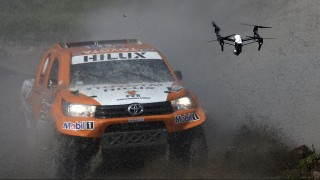 Toyota's driver Ronan Chabot of France and co-driver Gilles Pillot compete during the 11km Prologue of the 2016 Dakar Rally, in the province of Buenos Aires, on January 2, 2016. The Dakar Rally, which officially starts on January 3, will see participants race across Argentina and Bolivia in a two-week test of endurance.   AFP PHOTO / FRANCK FIFE / AFP / FRANCK FIFE