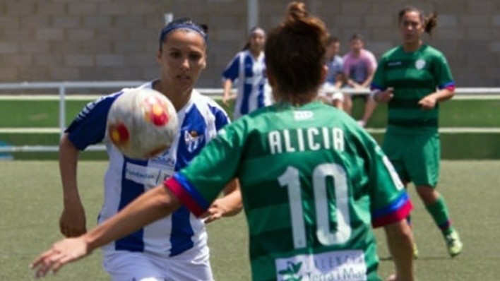 "Pic shows: Elena Pavel in a different game.nnA football referee who asked a female player for a date during a match has had the whistle blown on him in Spain.nnShocked Elena Pavel - a star player with First Division Sporting Huelva - says the official came onto her in the middle of a game in Badajoz against rivals Santa Teresa.nnReferee Santiago Quijada Alcon is said to have got alongside the Romanian born player and said: ""Hey brown-hair - let's get coffee this afternoon.""nnAngry Pavel later told local media she snapped back: ""Better stick to blowing your whistle.""nnAfter the match Pavel attacked the official for ""sexist"" behavior.nnShe told local media Alcon was trying ""to provoke"" her but that she refused to be drawn into ""his game"".nnThe player said: ""I¿ve stopped believing in football, in fair play.""nnShe told Spain's Efa news agency: ""I feel helpless, humiliated. In the many years I¿ve been playing football I¿ve never felt so ashamed.""nnPavel also attacked Alcon's decisions for sending off two teammates while ignoring a ""clear penalty"" he should have given against the other team, who won 3-2.nn(ends)nn"