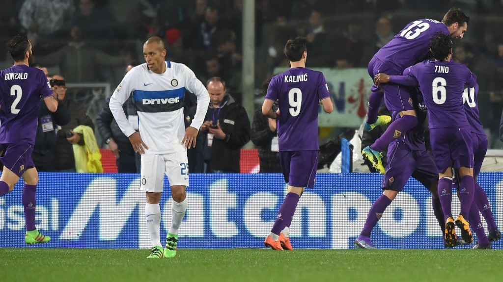 FLORENCE, ITALY - FEBRUARY 14:   Fiorentina players celebrate after a goal during the Serie A match between ACF Fiorentina and FC Internazionale Milano at Stadio Artemio Franchi on February 14, 2016 in Florence, Italy.  Fabio Bozzani / Anadolu Agency