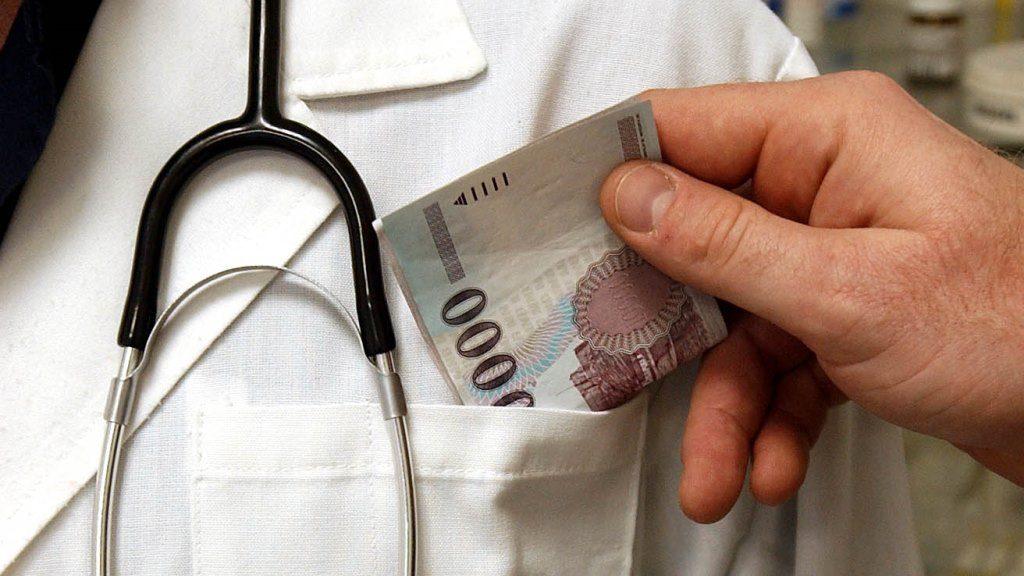 A Magyar Orvosi Kamara sajtótájékoztatója a hálapénzről