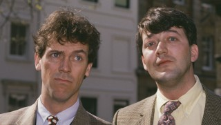 English actors and comedians Hugh Laurie and Stephen Fry, circa 1995. (Photo by Larry Ellis Collection/Getty Images)