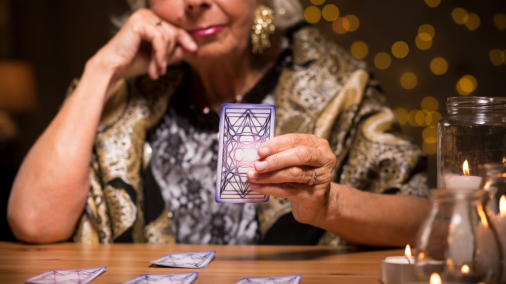 Telling fortune from tarot cards