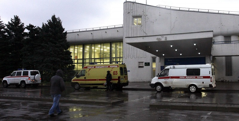 Ambulance cars are parked near the airport building in the city of Rostov-on-Don on March 19, 2016.   All sixty-one people on board a flydubai Boeing 737 were killed when their plane crashed and burst into flames as it was landing in Rostov-on-Don, in Southern Russia, on March 19 morning, a local official said.  / AFP / SERGEI VENYAVSKY