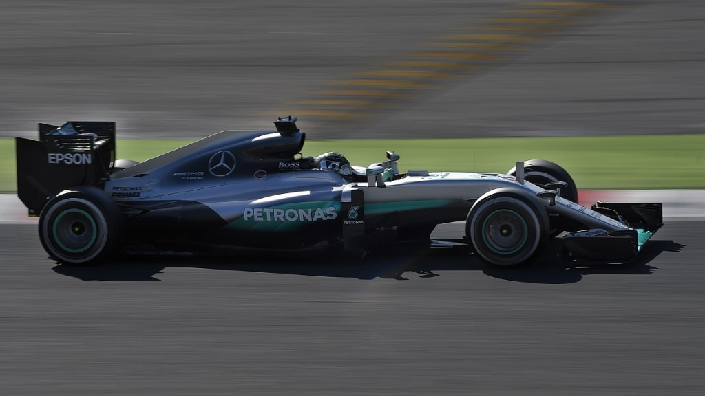 Mercedes AMG Petronas F1 Team's German driver Nico Rosberg drives at the Circuit de Catalunya in Montmelo on the outskirts of Barcelona, on the test day of the Formula One Grand Prix season on March 1, 2016. / AFP / LLUIS GENE