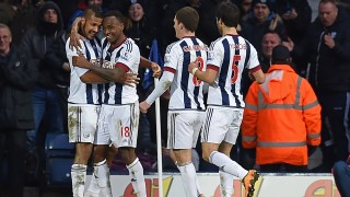 West Bromwich Albion's Venezuelan striker Salomon Rondon (L) celebrates with West Bromwich Albion's Burundian-born English striker Saido Berahino (2nd L), West Bromwich Albion's English midfielder Craig Gardner (2nd R) and West Bromwich Albion's Argentinian midfielder Claudio Yacob (R) after scoring the opening goal of the English Premier League football match between West Bromwich Albion and Manchester United at The Hawthorns stadium in West Bromwich, central England, on March 6, 2016.  / AFP / Paul ELLIS / RESTRICTED TO EDITORIAL USE. No use with unauthorized audio, video, data, fixture lists, club/league logos or 'live' services. Online in-match use limited to 75 images, no video emulation. No use in betting, games or single club/league/player publications.  /