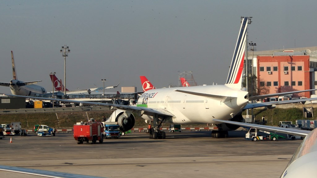 ISTANBUL, TURKEY - NOVEMBER 19: An airbus belongs to the Air France landed off to the Istanbul Ataturk Airport after a passenger felt unwell in Istanbul, November 19, 2015. Izzet Taskiran / Anadolu Agency