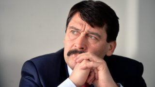 Kutatókkal tárgyalt környezetvédelmi fejlesztésekről Áder János Budapesten