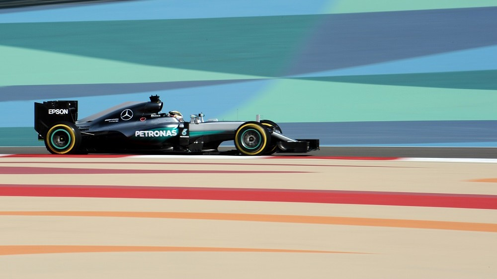 Mercedes AMG Petronas F1 Team's British driver Lewis Hamilton drives during the third practice session at the Sakhir circuit in Manama on April 2, 2016 ahead of the Bahrain Formula One Grand Prix. AFP PHOTO / MOHAMMED AL-SHAIKH / AFP / MOHAMMED AL-SHAIKH