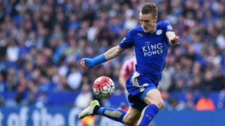 Leicester City's English striker Jamie Vardy controls the ball during the English Premier League football match between Leicester City and Southampton at King Power Stadium in Leicester, central England on April 3, 2016. / AFP / BEN STANSALL / RESTRICTED TO EDITORIAL USE. No use with unauthorized audio, video, data, fixture lists, club/league logos or 'live' services. Online in-match use limited to 75 images, no video emulation. No use in betting, games or single club/league/player publications.  /