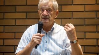 Budapest, 2011. szeptember 8.Kürti Sándor, a KÜRT Zrt. alapító elnöke beszél a KÜRT Akadémia Klub rendezvényen a Marmara Hotelben.MTI Fotó: Kollányi Péter