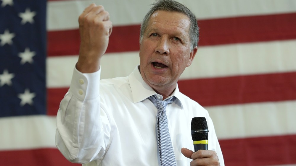 (FILES) This file photo taken on April 24, 2016 shows Republican presidential candidate John Kasich speaks during a town hall meeting in Rockville, Maryland.  Ohio Governor John Kasich will suspend his presidential campaign on May 4, 2016, his campaign told US media, a move that would leave frontrunner Donald Trump as the sole Republican candidate in the White House race. Kasich's campaign abruptly canceled an event in the Washington area and rescheduled a press conference for 5:00 pm (2100 GMT) in Ohio's capital Columbus. Broadcaster MSNBC and others reported that a senior campaign advisor said that appearance would be Kasich's announcement that he is dropping out of the 2016 race.  / AFP PHOTO / YURI GRIPAS
