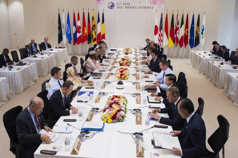 Leaders of the Group of Seven nations take part in a dialogue with other invited world leaders at the G7 Summit in Shima in Mie prefecture on May 27, 2016. A British secession from the European Union in next month's referendum could have disastrous economic consequences, G7 leaders warned on May 27 at the close of the summit in Japan. / AFP PHOTO / POOL / JIM WATSON