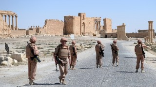 2845707 05/05/2016 Russian soldiers in the historical part of Palmyra liberated from ISIS militants. Maksim Blinov/Sputnik