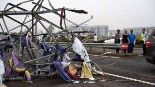 (160623) -- FUNING, June 23, 2016 (Xinhua) -- Photo taken on June 23, 2016 shows a steel tower blown down by tornado in Funing County, east China's Jiangsu Province. A tornado hit Funing County Thursday afternoon.   (Xinhua/Yang Ya) (yxb/zkr)