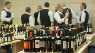Alsónémedi, 2016. március 2. Palackozott borok a CBA idei borversenyén az üzletlánc alsónémedi logisztikai központjában 2016. március 2-án. MTI Fotó: Illyés Tibor