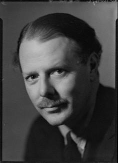 Harold Nicolson 1935-ben (Wikipedia)