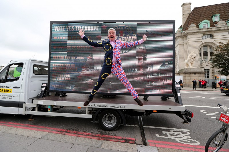 Picture by Philip Hollis for Ryanair   22-6-16Michael O'Leary Remain photocall Westminster
